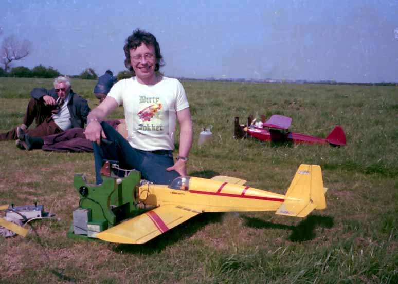 Slope soaring and uncontrolled dogs!! Fokerb10